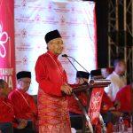 Melayu malas punca DEB gagal – Mahathir
